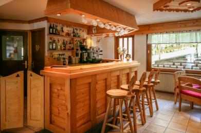Les Gets Hotel Bar For Sale