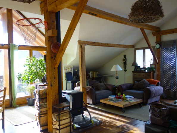 Apartment attached to Restaurant For Sale in St Jean d'Aulps