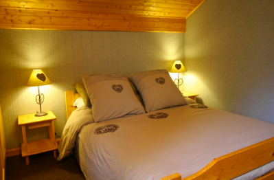 Bedroom in 4 Bedroom Chalet, Morzine